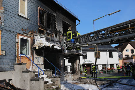 2015-04-28_Siegen-Trupbach_Wohnhausbrand_Explosion_Foto_mg_10