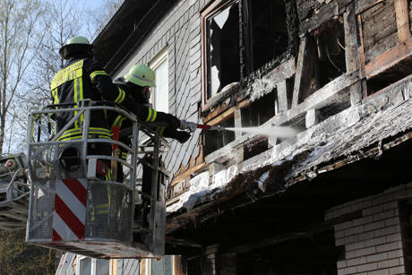 2015-04-28_Siegen-Trupbach_Wohnhausbrand_Explosion_Foto_mg_4
