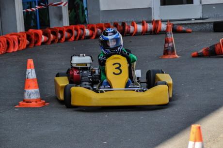 OGS Kinder schnuppern Motorsportluft (Foto: OC Siegerland Nord e.V.)