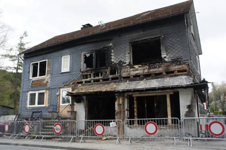 Das völlig ausgebrannte Haus im Siegener Ortsteil Trupbach.