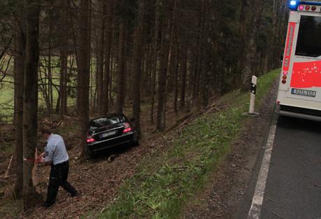 Die Polizei sperrte den Bereich ab und es kam zu Verkehrsbehinderungen | Foto: wirSiegen.de