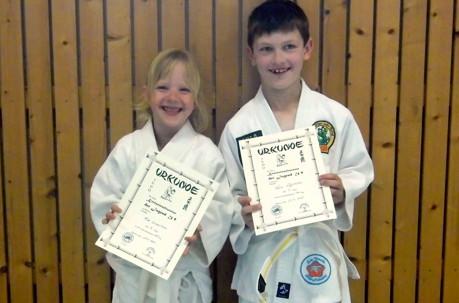 Mia Sophie Lorenzen und Felix Schöttler freuten sich über ihren ersten großen Erfolg. (Foto: Verein)