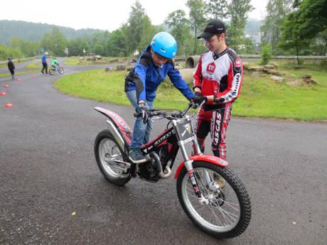 Das Programm der Neunkirchener Ferienspiele ist abwechslungsreich und gibt den Kinder und Jugendlichen auch die Möglichkeit verschiedene und zum Teil auch recht außergewöhnliche Sportarten auszuprobieren.