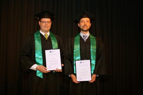 Dr. Michael Fritz und Dr. Christian Reuter (r.) erhielten für ihre Dissertationen den Rolf H. Brunswig Promotionspreis.
