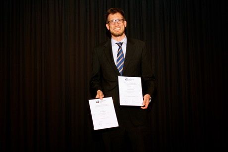 Dr. Dominik Kreß gewann die Preise für die beste Lehre und die innovativste Lehre.