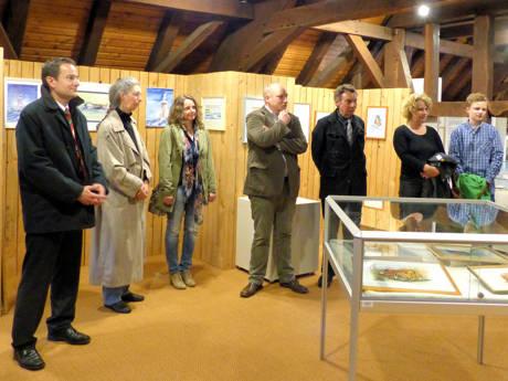 """Die Ausstellung """"Magie der Farben"""" im Stadtmuseum Hilchenbach wurde eröffnet. (Foto: Stadt)"""