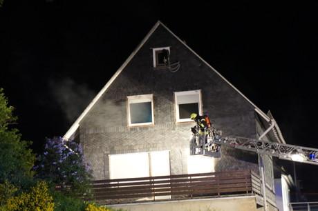 2015-05-28_Wilnsdorf-Wilden_Feuer4_Zimmerbrand_Schwerstverletzter_Foto_Hercher_02