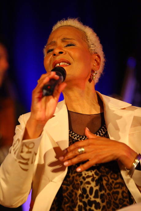 2015-05-30_Siegen_Konzert der Gospel- und Jazzlegende Jocelyn B. Smith in Siegen_Foto_DAG-Siwi_04