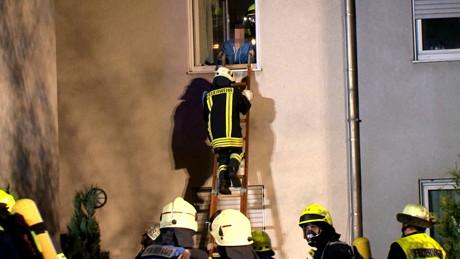 2015-06-02_Neunkirchen_Kölner Str 220_Zimmerbrand_MANV1_39 Personen evakuiert_Foto_Hercher_03