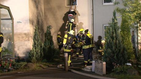 2015-06-02_Neunkirchen_Kölner Str 220_Zimmerbrand_MANV1_39 Personen evakuiert_Foto_Hercher_07