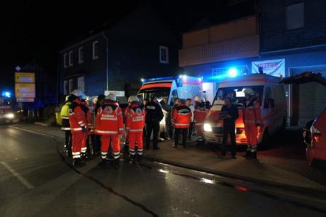 2015-06-02_Neunkirchen_Kölner Str 220_Zimmerbrand_MANV1_39 Personen evakuiert_Foto_Hercher_09