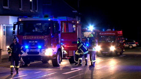 2015-06-02_Neunkirchen_Kölner Str 220_Zimmerbrand_MANV1_39 Personen evakuiert_Foto_Hercher_10