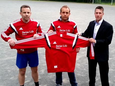 v.l Carsten Boller,Ansgar Steinkopf ( CVJM Wilgersdorf ) & Felix Grabolle ( Swiss Life Select )
