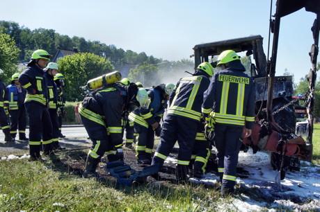 2015-06-30_Wilnsdorf-Oberdielfen_Traktor in Vollbrand_Foto_Hercher_10