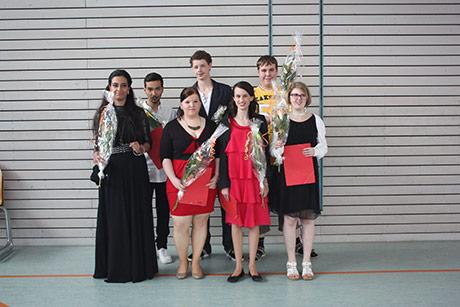 Freuten sich über ihr Abschlusszeugnis, die Schüler der AWO Hans-Reinhardt-Schule Siegen. | Foto: Stadt Siegen