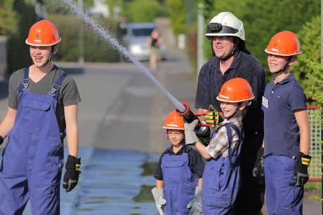 2015-07-03_Bad Lassphe_Kinderferienspiele bei der Feuerwehr Bad Laasphe_Foto_Feuerwehr_03