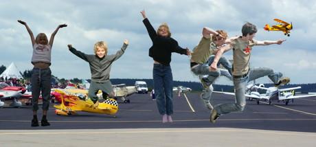 Das wird ein Fest für Groß und Klein. Bei der Airport-Party am 21. August kommen Jung und Alt wieder auf ihre Kosten. Die Veranstalter erwarten viele Tausend Besucher. (Foto: Privat)