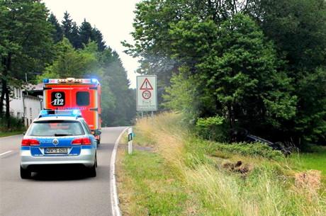 2015-07-05_Kirchhundem_B 517 PKW überschlagen Rahrbacher Höhe_Foto_Polizei_02