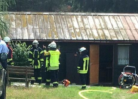 Bad Laaspher Wehrleute mussten zu Hüttenbrand ausrücken. (Foto: Feuerwehr)