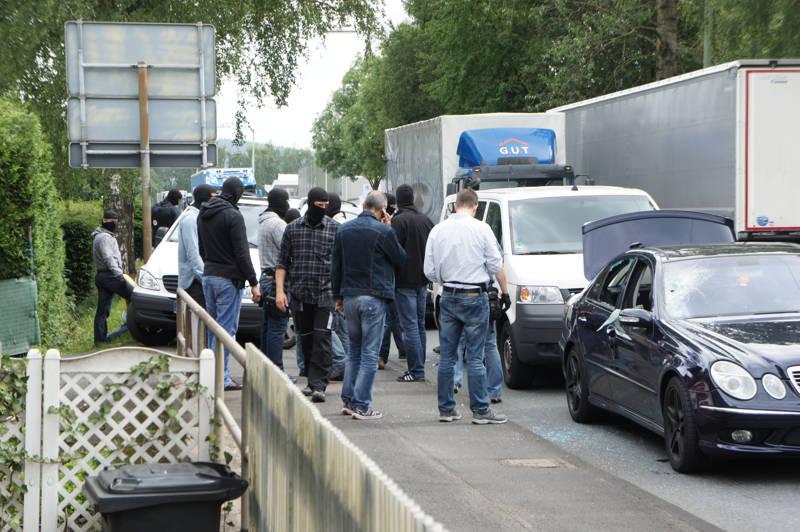 2015-07-15_Kreuztal-Kredenbach_SEK-Einsatz_Festnahme zwei Personen_Fotos_Hercher_02