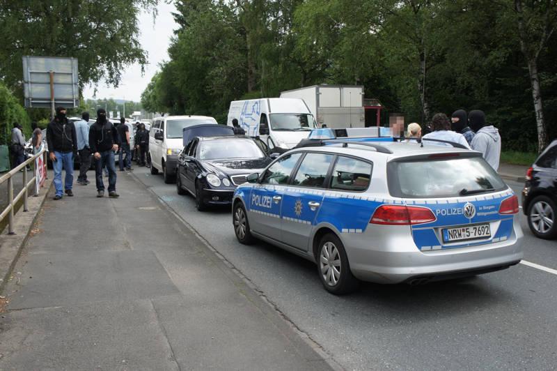 2015-07-15_Kreuztal-Kredenbach_SEK-Einsatz_Festnahme zwei Personen_Fotos_Hercher_03
