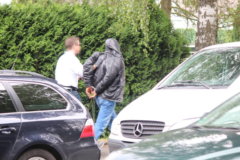 2015-07-15_Kreuztal-Kredenbach_SEK-Einsatz_Festnahme zwei Personen_Fotos_mg_04