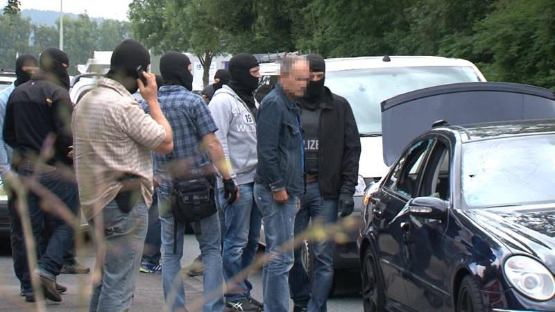 2015-07-15_Kreuztal-Kredenbach_SEK-Einsatz_Festnahme zwei Personen_Video_Fotos_Hercher_01
