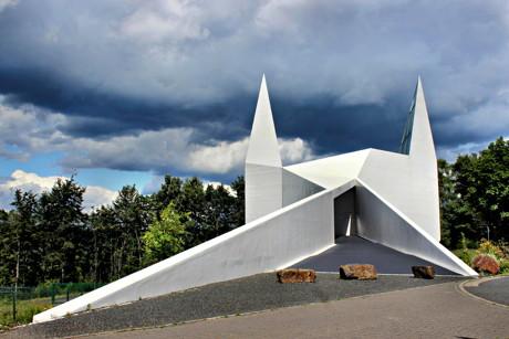 Die Autobahnkirche Siegerland, direkt an der A45, am Autohof Wilnsdorf gelegen. (Foto: Kay-Helge Hercher)