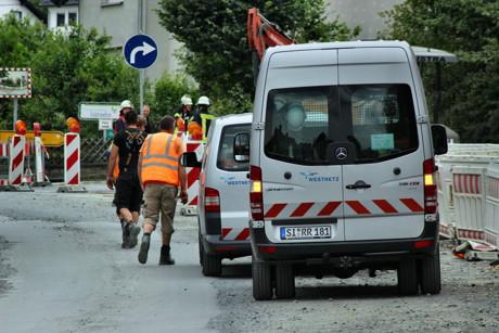 2015-08-04_Niederdresselndorf_L730_ABC2_Bagger beschädigt Gasleitung_Foto_Hercher_05
