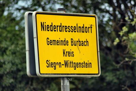 2015-08-04_Niederdresselndorf_L730_ABC2_Bagger beschädigt Gasleitung_Foto_Hercher_06