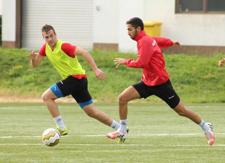 Neuzugang Marco Komenda (links) im Training mit Haluk Arslan. (Foto: Sportfreunde Siegen)