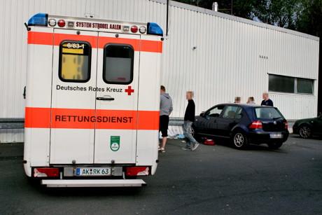 2015-08-24_Herdorf_RhlPfalz_Pkw rast in Gruppe Jugendlicher_2 Schwerverletzte_Foto_Hercher_03