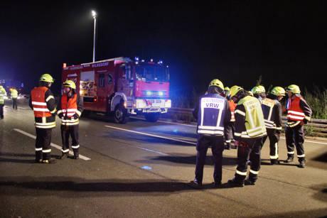 2015-09-01_Wilnsdorf_A45_Richtung Haiger_Lkw auf Pkw_Foto_Hercher_04