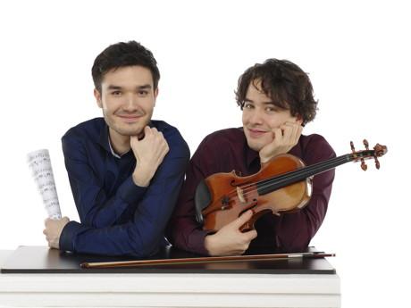 Der Geiger Noé Inui und der Pianist Mario Häring. (Foto: Schilderroth)