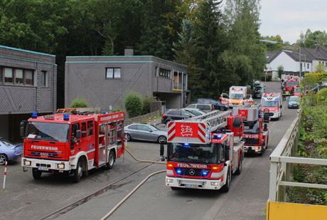 2015-09-29_Siegen_Feu4_Fischbacherberg_Ypernstraße_Kellerbrand_Foto_mg_018