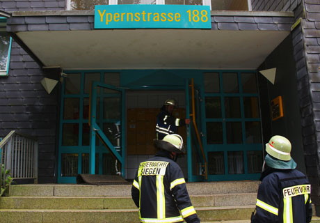 2015-09-29_Siegen_Feu4_Fischbacherberg_Ypernstraße_Kellerbrand_Foto_mg_02