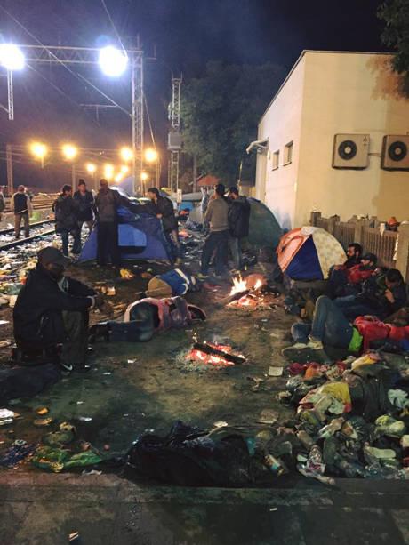 Flüchtlingsarbeit in Tovarnik 2 (c) SOS Konvoi
