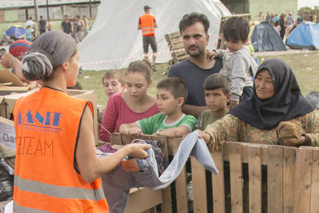Flüchtlingsarbeit in Tovarnik (c) SOS Konvoi