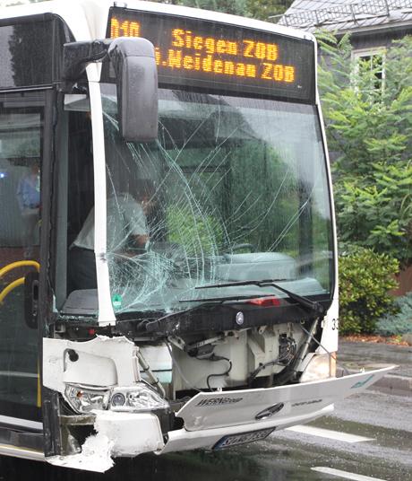 VerkehrsunfallmitBus
