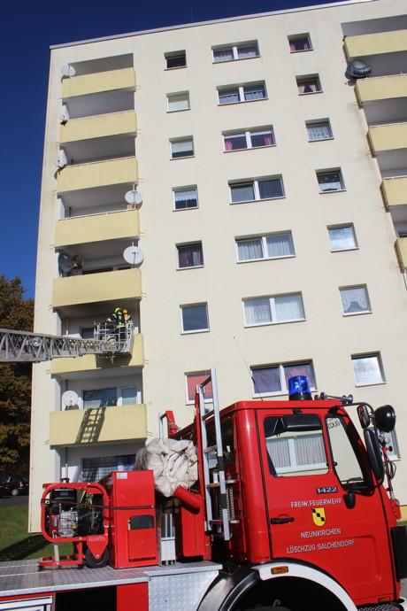 2015-11-03_Neunkirchen-Salchendorf_Kapellenweg_Brand auf Balkon_Foto_Hercher_03