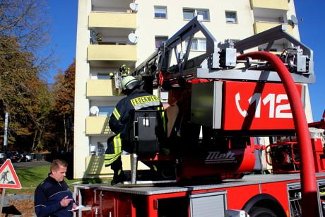2015-11-03_Neunkirchen-Salchendorf_Kapellenweg_Brand auf Balkon_Foto_Hercher_04