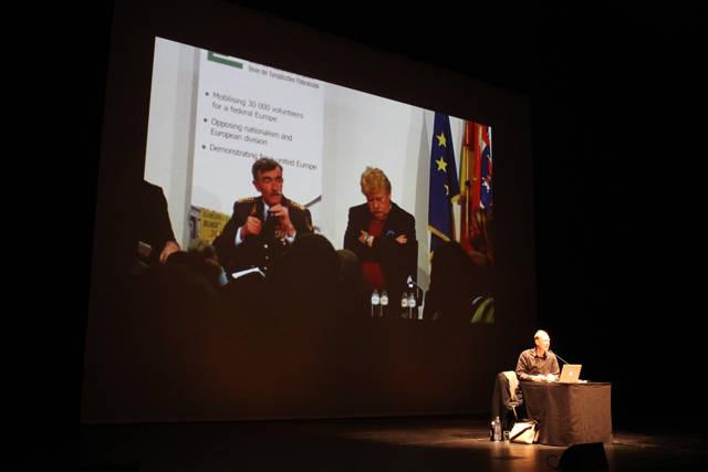 2015-11-03_Siegen_Apollo-Theater_Lesung Martin Sonneborn Die PARTEI_Foto_Hercher_08