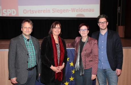 v.l.n.r.: SPD Ortsvereinsvorsitzender Reiner Lorenz, Anja Krüger, Europaabgeordnete Birgit Sippel, Moderator Florian Rubens. (Foto: Andreas Haßler)
