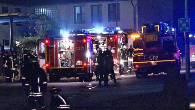 2015-11-11_Burbach_Siegerlandkaserne_Gemeldetes Feuer5_Fehlalarm_Foto_Hercher_07
