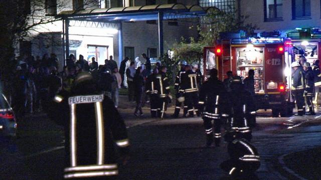 2015-11-11_Burbach_Siegerlandkaserne_Gemeldetes Feuer5_Fehlalarm_Foto_Hercher_7