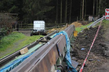 2015-11-16_Altenteich_B62_Schwertransport verliert 30Tonnen schwere Ladung_Foto_Hercher_01