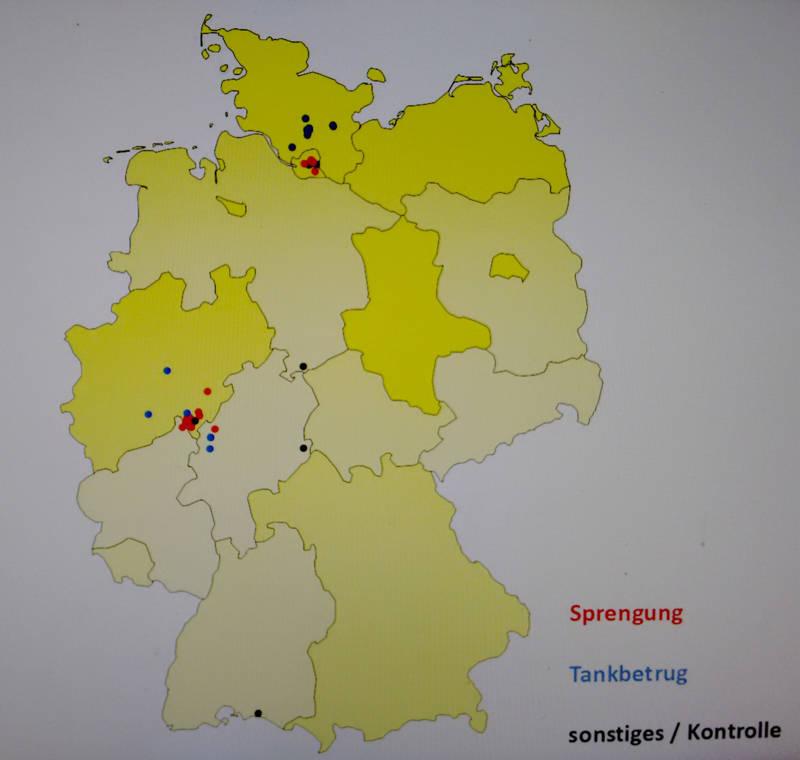 2015-11-19_Siegen_Polizei_Pressekonferenz_Geldautomaten-Sprenger_Foto_Hercher_04