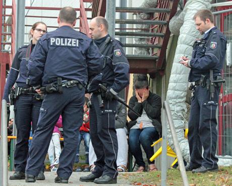 Flüchtlingsunterkunft-Siegen-Polizei-Großeinsatz (1)