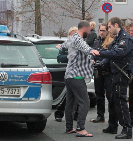 Flüchtlingsunterkunft-Siegen-Polizei-Großeinsatz (2)
