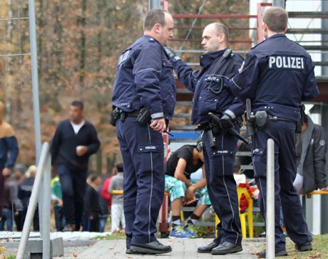 Flüchtlingsunterkunft-Siegen-Polizei-Großeinsatz (6)